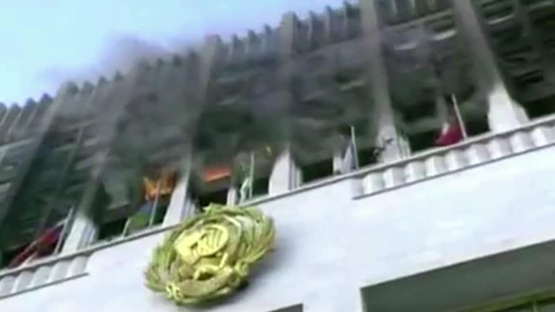 Дом правительства 1993 г Как же так как же так господа ОФИЦЕРЫ