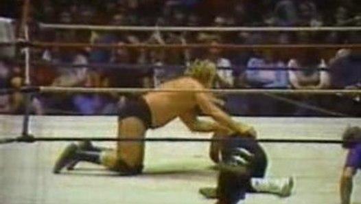 Nick Bockwinkel vs Jerry Lawler AWA World Title 1 1 84 video dailymotion