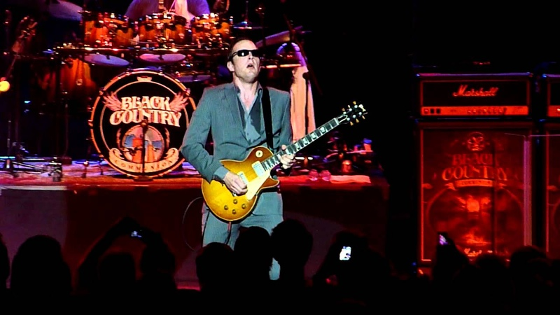 Black Country Communion Song of Yesterday Live at Cirkus Stockholm Sweden 2011 08 02