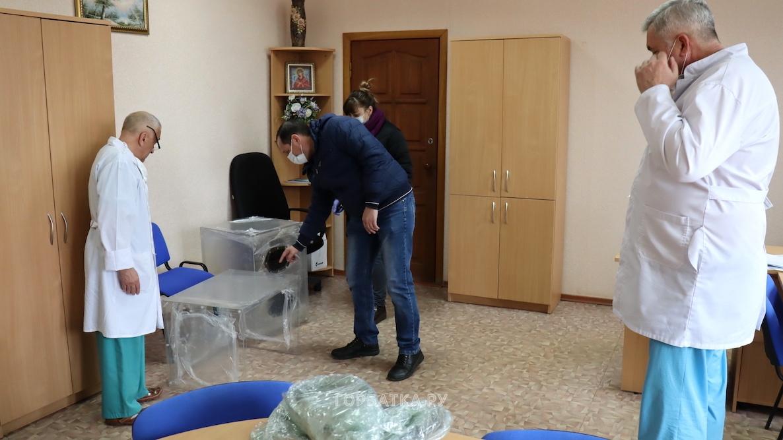 Областное отделение «Единой России» продолжает оказывать помощь медикам региона