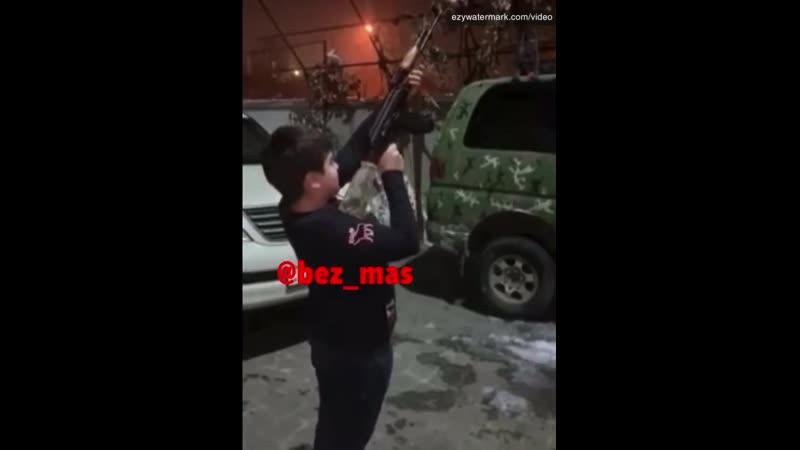 В Ханкенди детей используют в своих гнусных провокациях против российских миротворцев и солдат ВС Азербайджана.