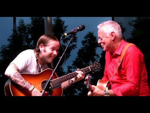 Tommy Emmanuel and Billy Strings Incredible Jam Workin' Man Blues Grey Fox 2019