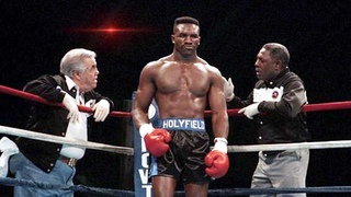 A Brutal fight between - Evander Holyfield and Dwight Muhammad Qawi