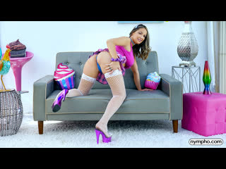 (Nympho) Sofi Ryan - Sofi Brings The Heat