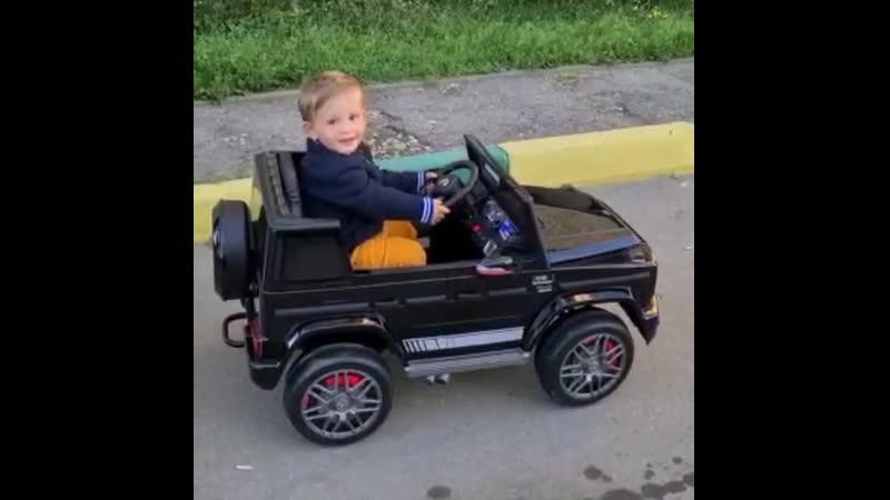 Самый доступный гелендваген, который вчера взорвал Директ!⠀Потому что детский)⠀✔️Детский электромобиль Mercedes G63 resty