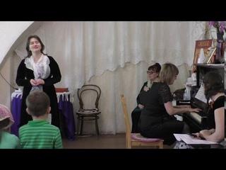 """""""Если б не было войны!"""" Поет Елена Соколова, концертмейстер Светлана Шередека"""