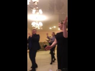 Немножко танцев)