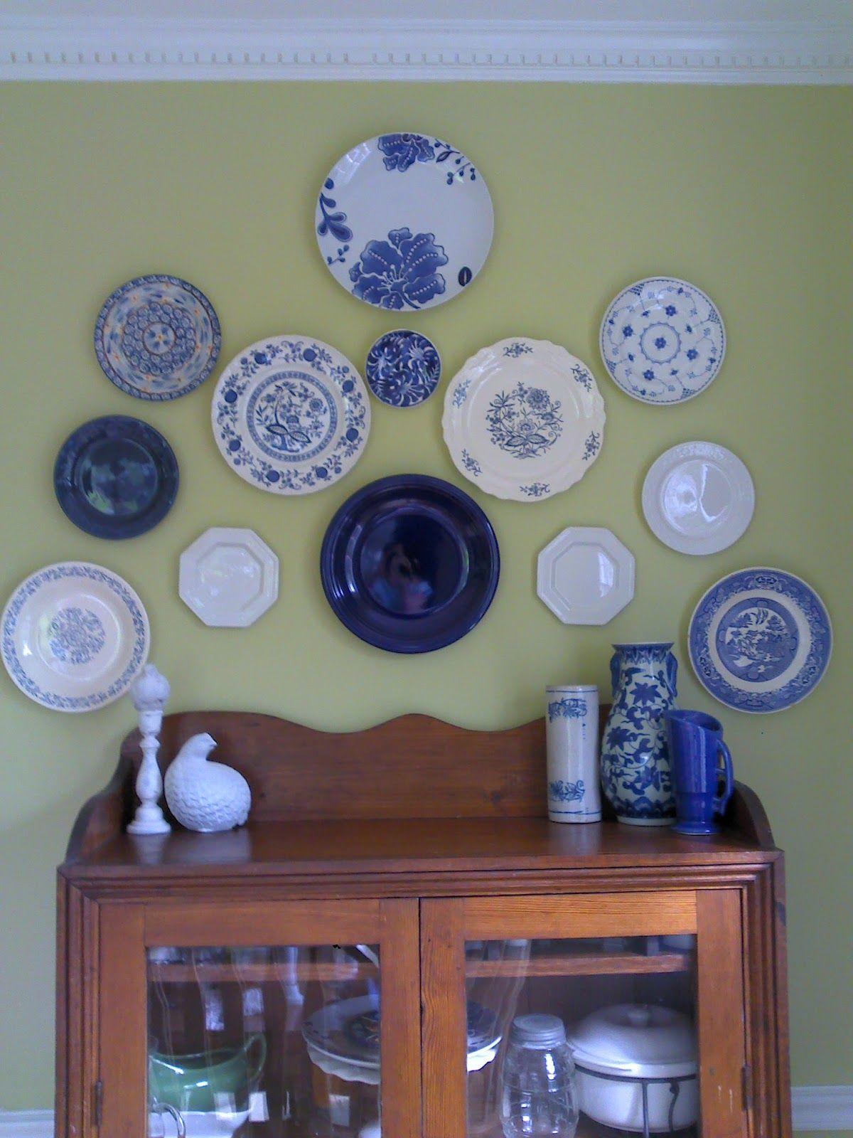 старинные тарелки в интерьере