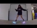 Танцует Шафл _ Shuffle светящиеся кроссовки vk_poshumime.360