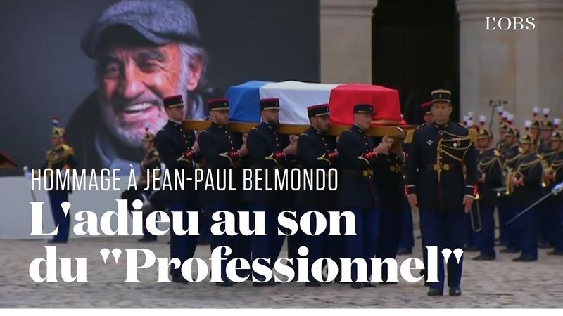 Le cercueil de Jean Paul Belmondo quitte les Invalides au son de Chi Mai d'Ennio Morricone