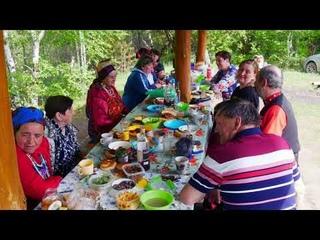 Духов день в Кочоне (Архангельском) и Карымке, часть 6 - застолье на Оленухе;