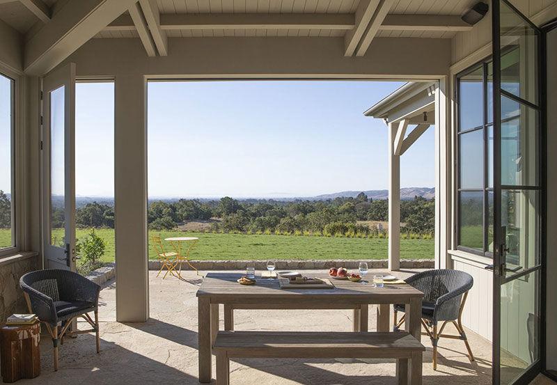 Современное ранчо для молодой пары в Калифорнии