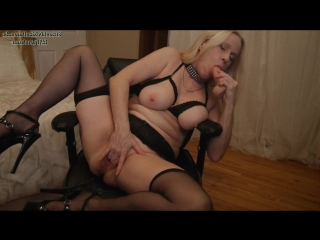 Gartersex - mommy sucks and fucks the cum out of you