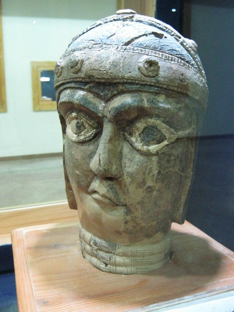 древняя статуя в Хузестан