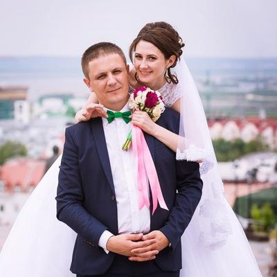 Денис Шкутов