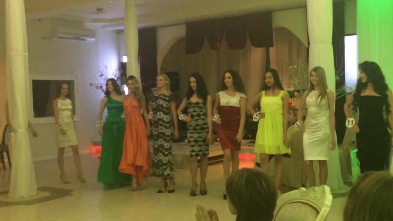 Показ коллекции платьев дизайнера Vera Shevel от мастерских Gabu Atelier
