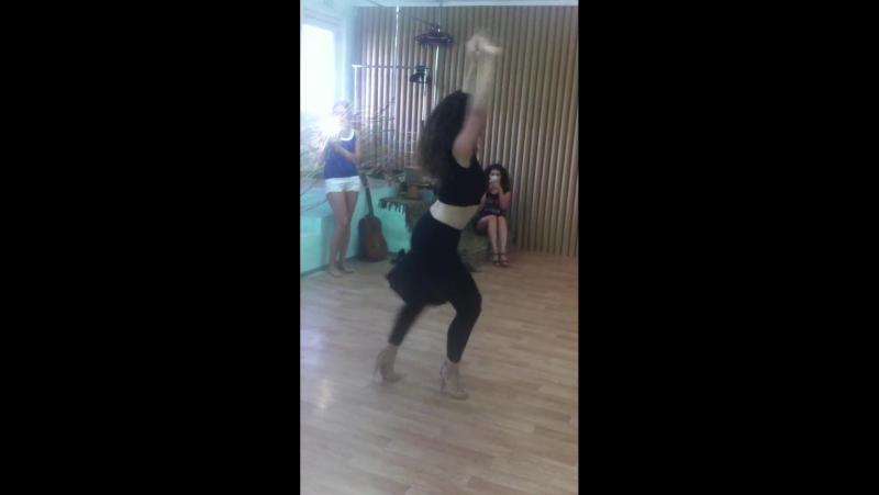 Клуб Танцев Ляси-Тряси. Ольга Пирогова - женский стиль (сальса) » FreeWka - Смотреть онлайн в хорошем качестве