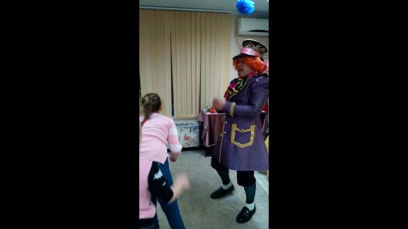 Квест Алиса в стране чудес арт студия Чемодан сумасшедшая джига дрыга безумного Шляпника