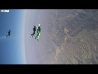 Скайдайвер из США прыгнул без парашюта с высоты 7 620 метров.