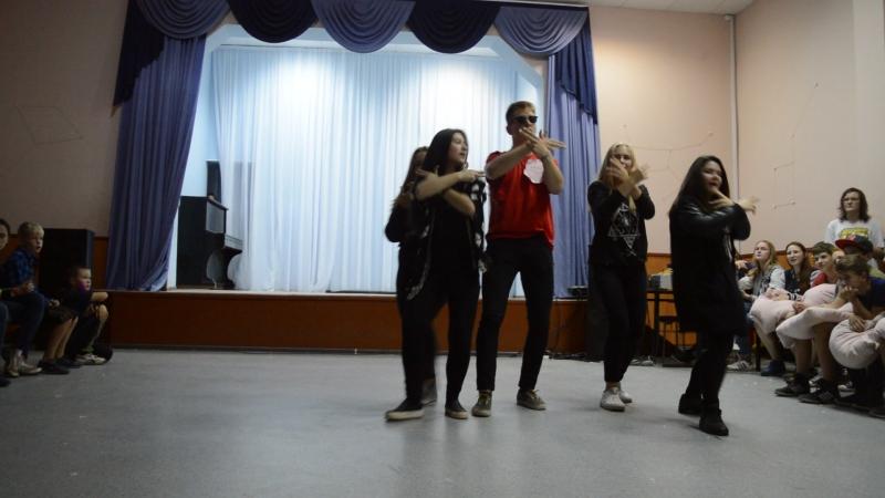 3 смена 2016 1 отряд Танцы с вожатыми