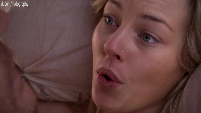 Эшли Роуз Китинг (Ashleigh Rose Keating) голая в сериале Всемогущие Джонсоны (The Almighty Johnsons, 2011) s01e02 (1080p)