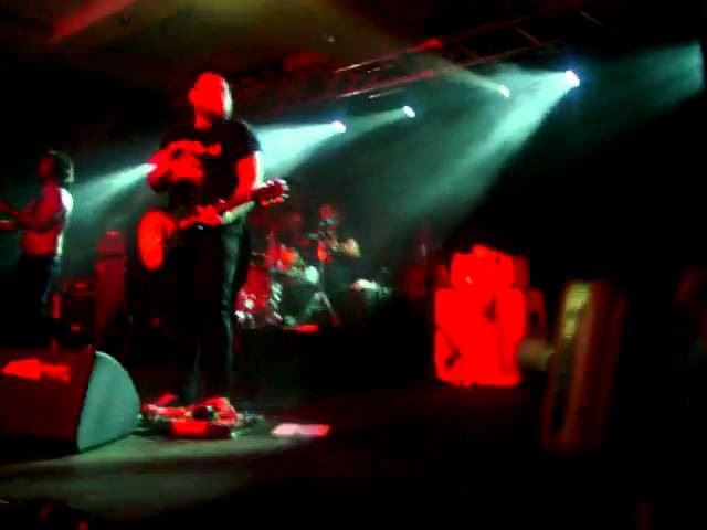 Alexisonfire feat. Ben Kowalewicz (Billy Talent) – This Could Be Anywhere In The World