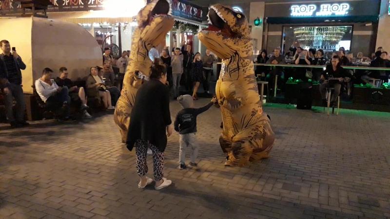 Приключения Тиранозавра Рекс на Баумана t rex kazan