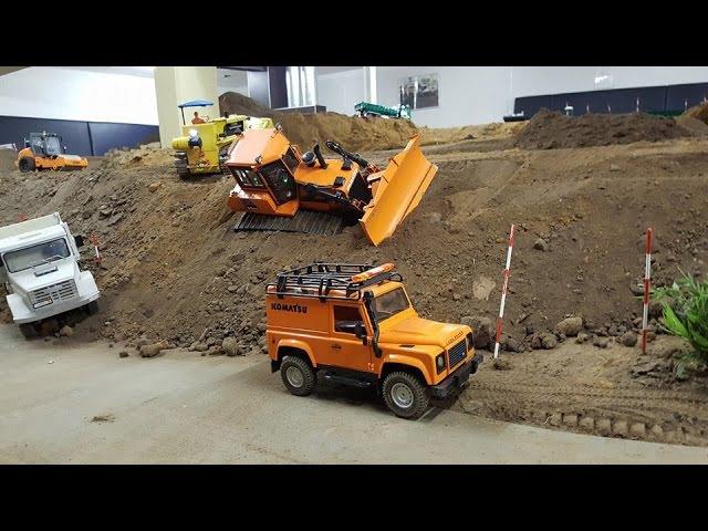 RC Dozer Komatsu D65WX stuck at the landfill Rescue Mission