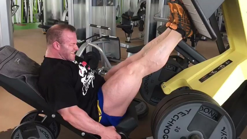 Ronny Rockel Trains Legs 12 Weeks Out from 2017
