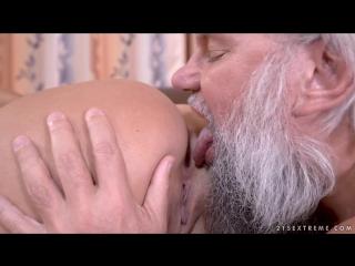 Olivia Nice (Horny Crossword) big ass tits seks porno