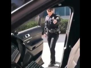 Kiki do you love me dance challenge (shiggy dance) win, female cop edition