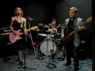 vulture - dont ever leave me connie francis - Live on Demolisten
