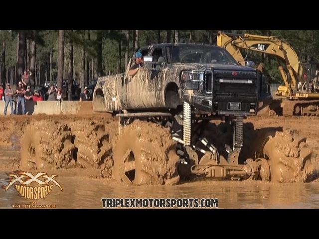 Соревнования настоящих гряземесов машин бигфутов они же Монстр траки Monster Truck в соревнованиях в грязи