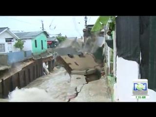 Сильный ливневый дождь привел к масштабным подтоплениям в городе Барранкилья (Колумбия, )