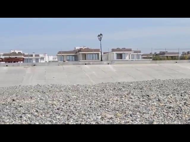 Самый крайний пляж в Адлере около отеля Русский Дом (Бархатные Сезоны)(начало июня 2015-го)