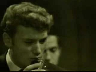 Johnny Hallyday - Une poignée de terre