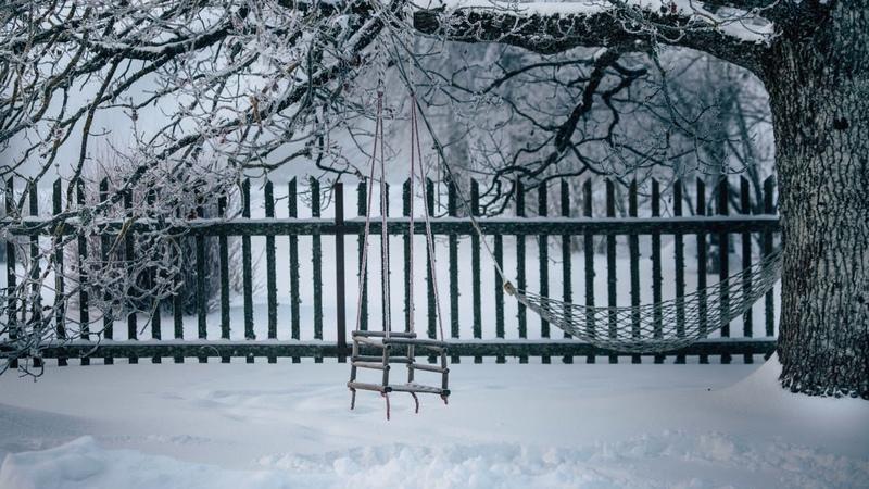Картинка зима. Качели, снег. Kuva, talvi, keinu, lumi, JPEG. Photo, hiver, balançoire, neige.