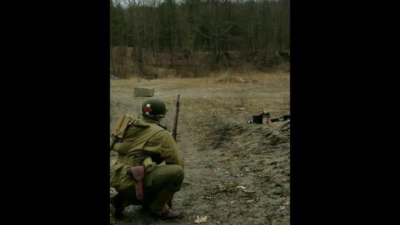Выстрел винтовочной гранатой с 22-мм наствольного гранатомёта M7, установленного на винтовку Garand M1