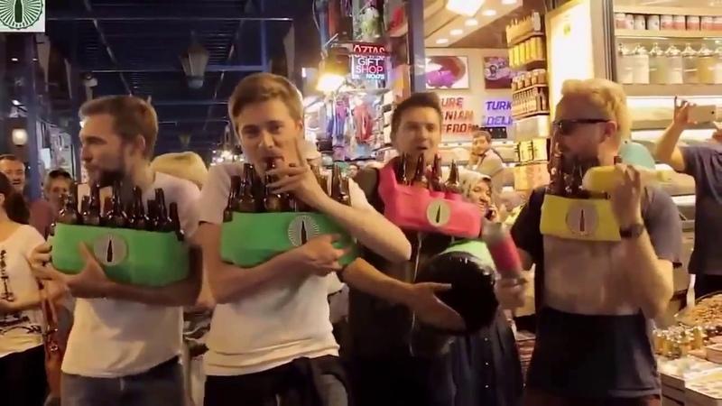 Kapalı çarşıda turistler Tarkan' ın Şımarık şarkısını şişelerle çalmış Çok güzel izleyin