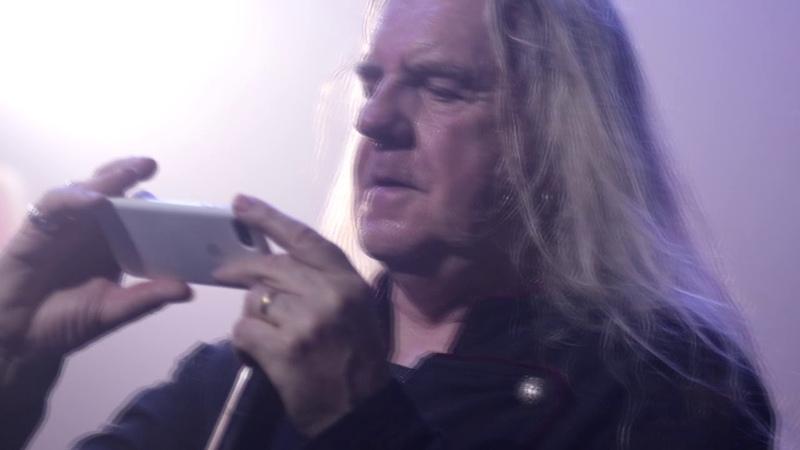 Saxon Biff Byford graba al Publico de Monterrey MB Live