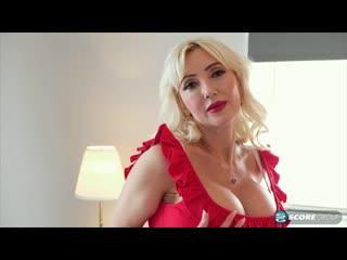 Студент трахает зрелую маму с огромными сиськами, milf mom porn mature old lady woman sex fuck (инцест со зрелыми мамочками 18+)