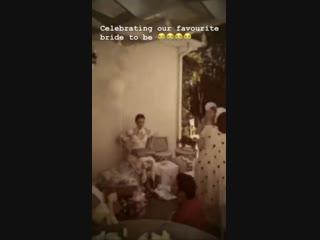 19 de enero selena gomez celebrando la despedida de soltera de courtney en su casa ubicada en studio city, california.