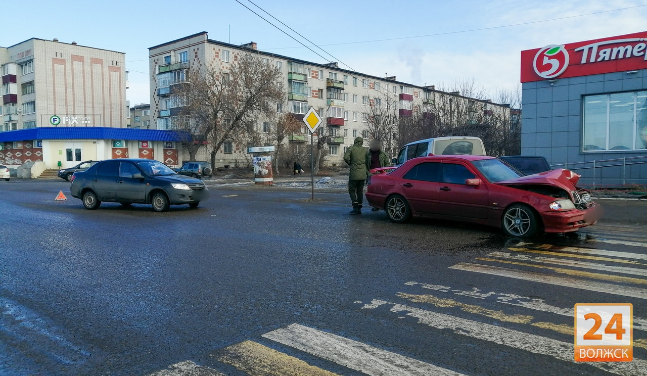 ДТП на улице Федина 22.02.2020
