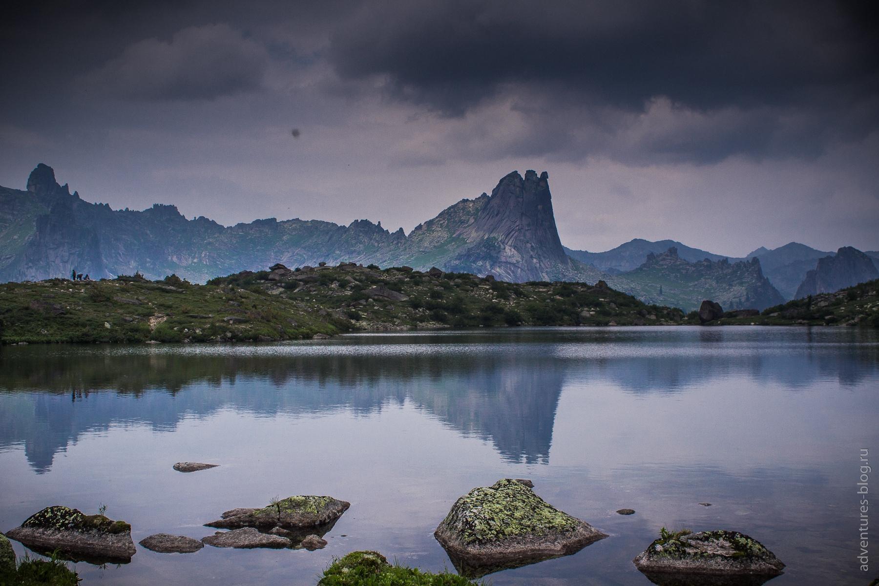 Цветные озера и гора Верблюд