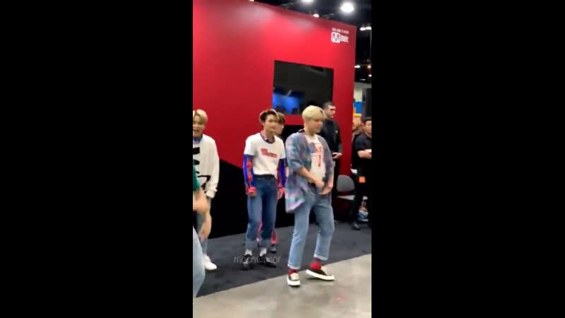 малыш танцует EXO - Growl