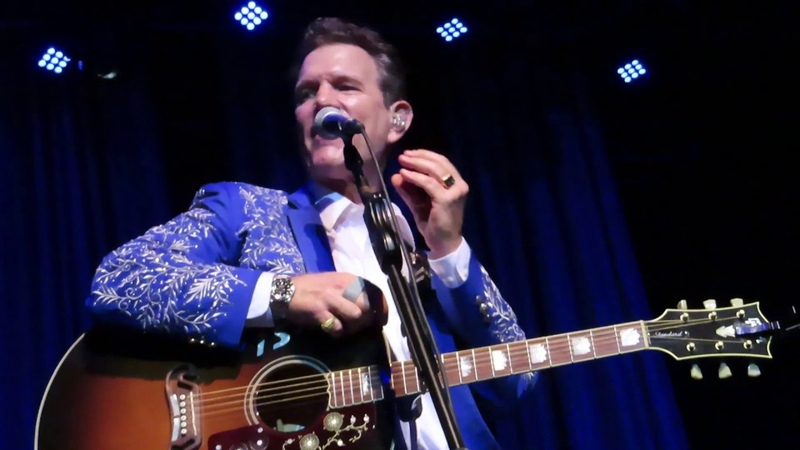 Chris Isaak Forever Young Arcada Theater St Charles IL 08 09 19