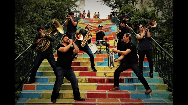 Velcros Brass Band - Crazy In Love Remix
