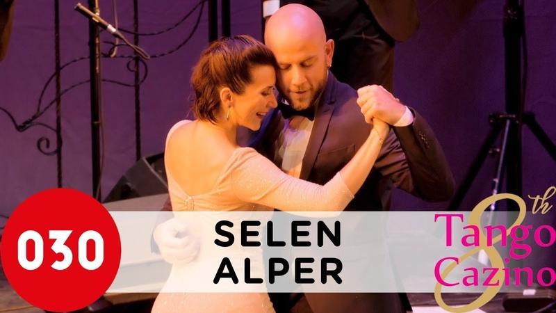Selen Sürek and Alper Ergökmen – No hay tierra como la mía SelenAlper