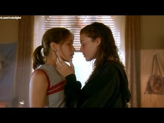 Piper perabo, jessica paré (pare) nude lost and delirious (ca 2001) 720p watch online