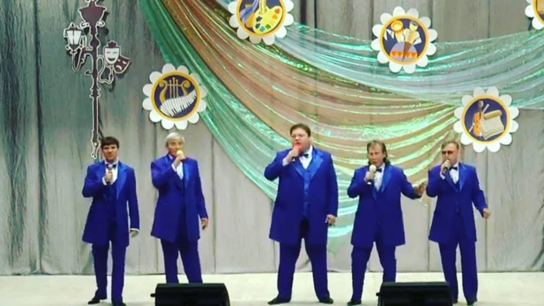 Петровская шоу-группа «Визит» участвует в областном конкурсе «Новобурасские аккорды»